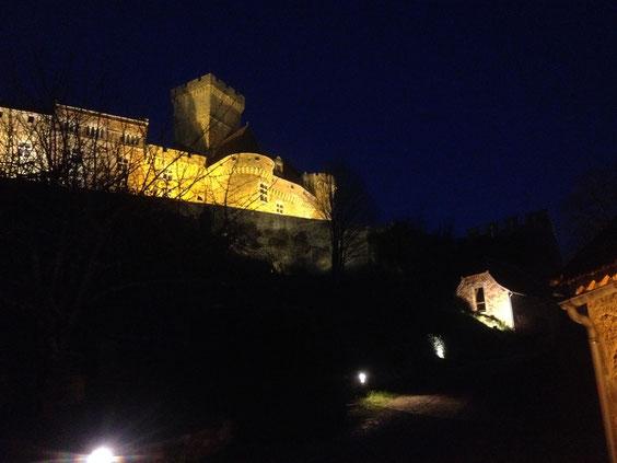 le studio sous le chateau la nuit