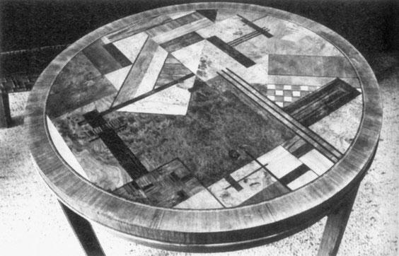 Runde Tischplatte mit Intarsienkomposition, 1926/1927, (B 5/17), aus Baugestaltung Museum Wiesbaden, S.17, © Museum Wiesbaden, Archiv Friedrich Vordemberge-Gildewart