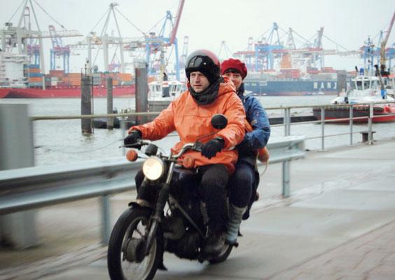 Sasa & der Bootsmann - Foto: Lukas Zerbst