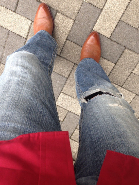 5/17 ぶどう÷グレープを観に、ラストワルツに向かう。今日は超久々にGパンを履いた。膝の破れが増してるから、そこだけさぶい。