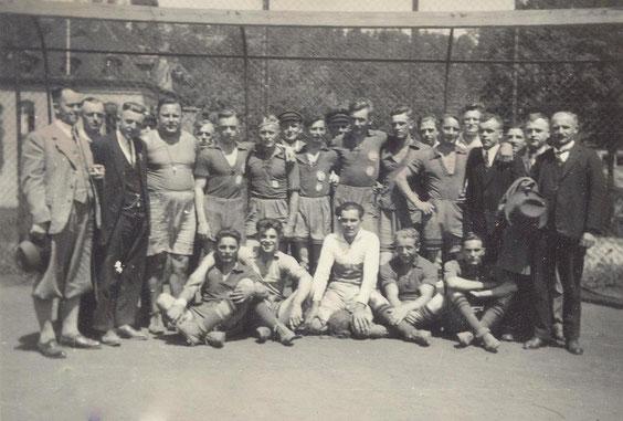 Bild: Teichler Wünschendorf Erzgebirge Handballmannschaft 1934