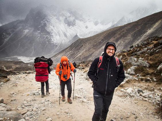 Micha und Daniel beim Aufstieg auf den Thokla Pass