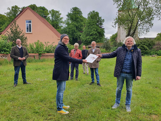 Förderbescheidübergabe Gemeindehaus Wilstedt (Foto: Samtgemeinde Tarmstedt, 2021)