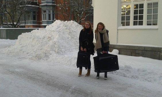 Ankunft am Newman-Institut in Uppsala: Praktikantinnen Anne Hemken und Maris Lohmöller