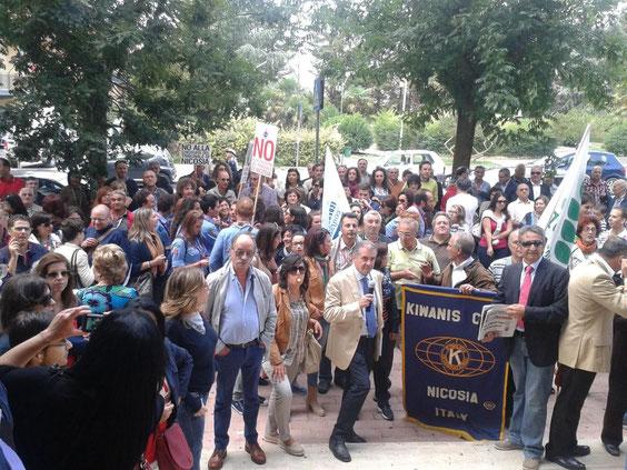 La protesta al Palazzo di Giustizia di Enna