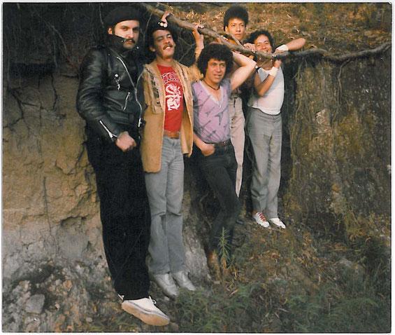 Tribu Tres (Hernando Becerra, Mario García, Carlos Alvarez, Alex Martínez, Carlos Cardona)