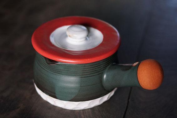 陶芸家 ブログ 茨城県笠間市 土鍋 料理 時短料理 素敵なデザインの土鍋 片手土鍋 ピッチャー 赤い土鍋