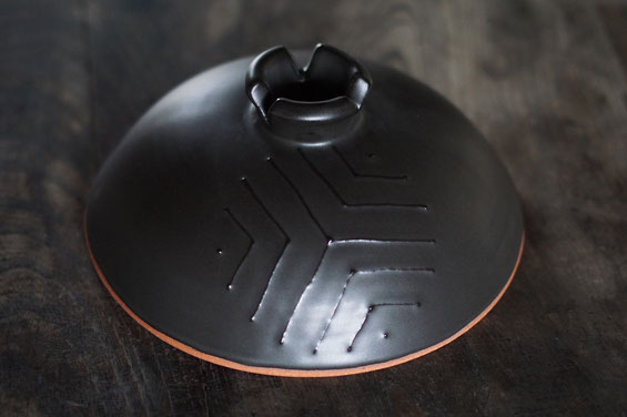 陶芸家 ブログ 土鍋作品 耐熱 直火 空焚き デザインが素敵 イッチン 松模様