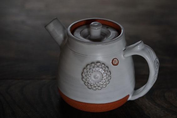 陶芸家 ブログ 土鍋作品 耐熱 直火 空焚き デザインが素敵 コーヒーポット 菊花模様