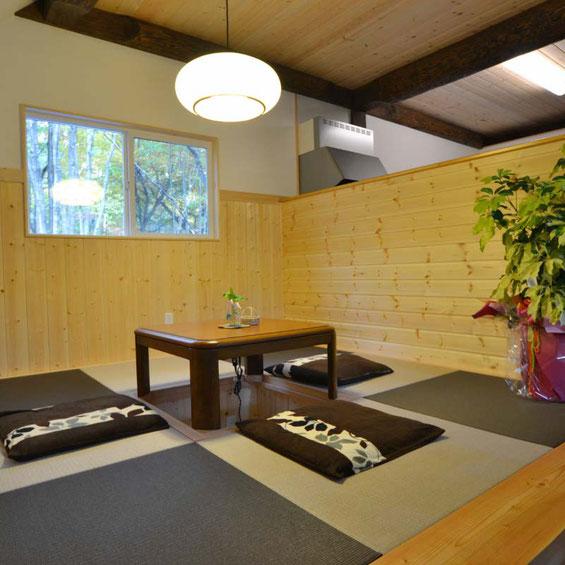 掘りごたつのある琉球畳の和室