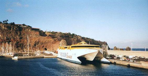 Olsen Fähre im Hafen von San Sebastian