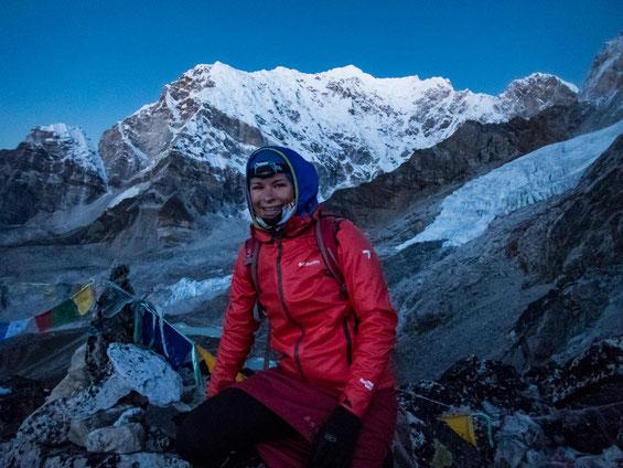 Auf dem Gipfel des Kala Patthar. Man sieht, dass es mir kalt war ;-)