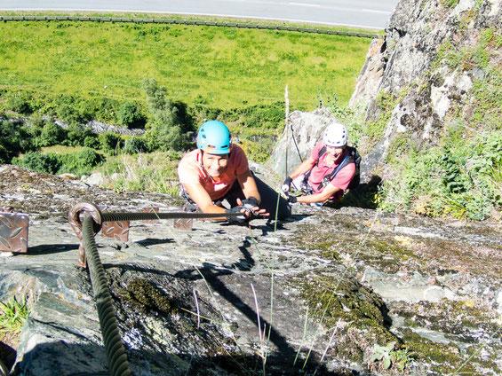 Der Reinhard-Schiestl-Klettersteig. Dicht hinter mir, mein Aufpasser Wulf ;-)