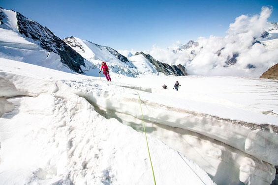 So wunderschön der Gletscher auch aussieht, so unheimlich ist er auch zugleich