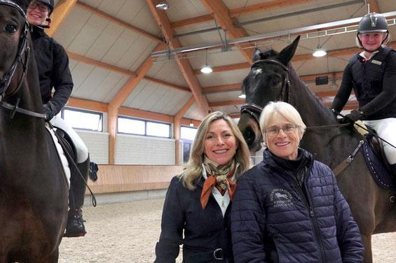 Patricia Bade van Motman en Florence Wetzel tijdens één van de clinics.