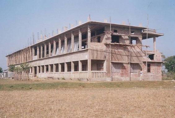 1986-1992  -  Bau des heutigen Schulhauses.