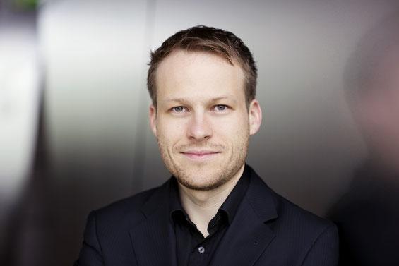 Portrait-Foto von Benedikt Haag, Künstlerischer Leiter Amadeus-Chor e.V.