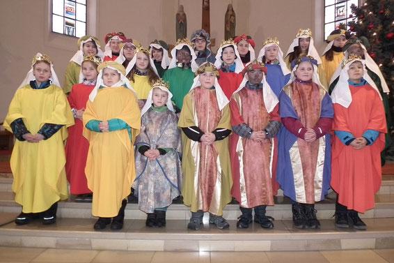 Die 7 Sternsinger-Gruppen der Pfarrei im Januar 2015: