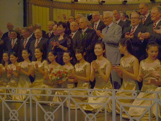 Studentenchor der Universität Peking - Leitung: Prof. Hou Xijin - 26.8.12 in Bad Kissingen