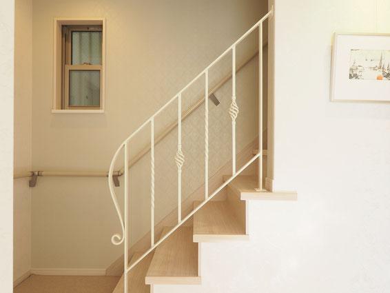 階段手すり4段アイボリー