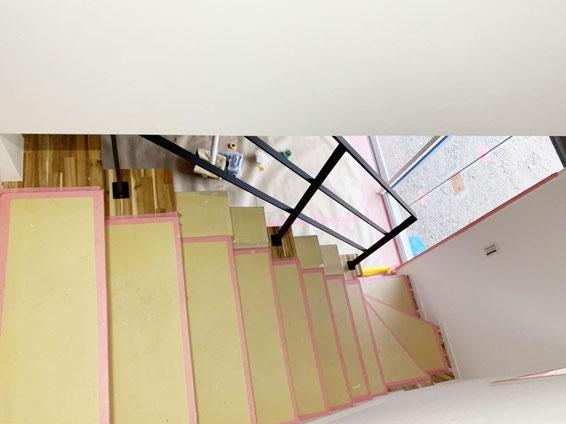 はな工房では天井取付タイプのアイアン手摺は人気があります。吹き抜けは是非
