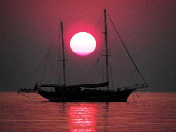 Gulet FEDERICA in Milos island (Cyclades)