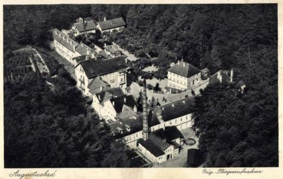 """Das """"Mohr- und Stahlbad Augustusbad über Radeberg"""";  um 1930"""