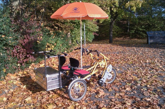 Dreirad fahren im Herbst und Winter