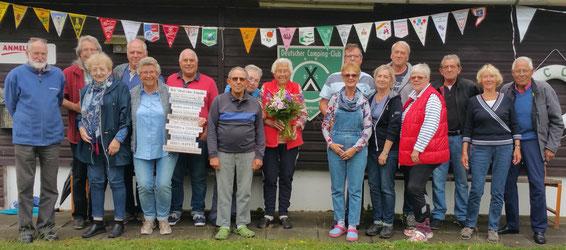Der Camping Club Bremerhaven gratuliert seinem  längsten Mitglied im Verein