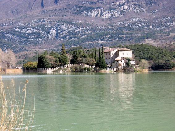 lago di castel toblino
