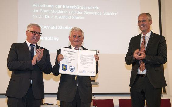 Sauldorfer Bgm. Wolfgang Sigrist, Arnold Stadler und Meßkircher Bgm. Arne Zwick (v. l. n. r.)
