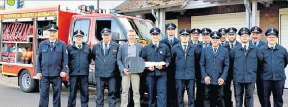 Bei der Übergabe des neuen Tragkraftspritzenfahrzeuges an die FFW Gersfeld - Mosbach