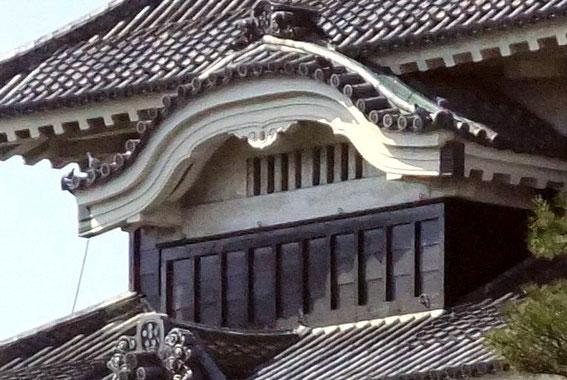 Karahafu du donjon du Matsumoto-jō
