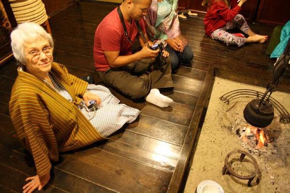 En yukata et veste d'intérieur, après la danse : le thé !