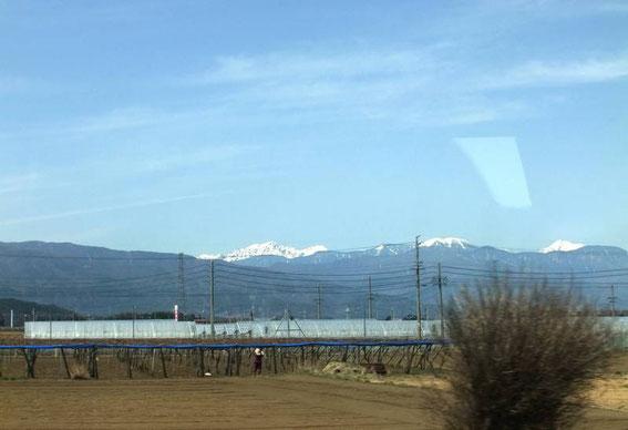 En approche de Matsumoto - vue sur le Mont Norikura à gauche (depuis le Shinano)