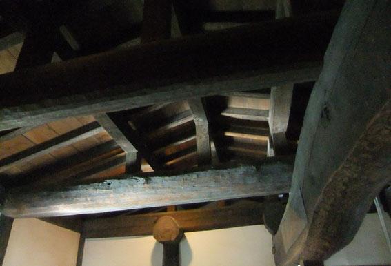 Charpente du Yatari-Yagura (passage couvert)