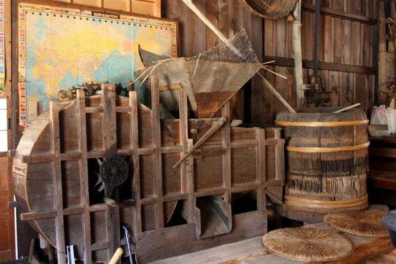 """Le """"tatare"""" (machine à vanner en les ventilant, les céréales) de Tabeta-Chaya"""
