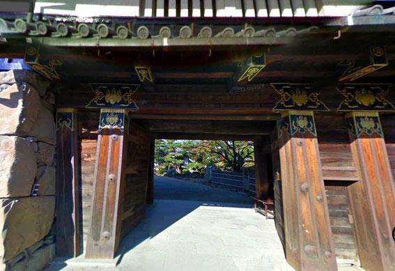 la porte intérieure (ni-no-mon) du Kuro-mon