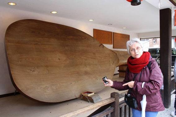 La plus grande cuillère à riz (shamoji) du monde !