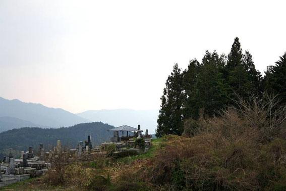 Magome : petit cimetière sur les hauteurs