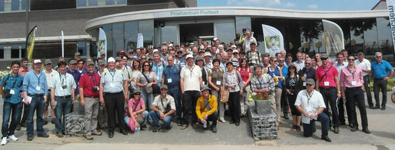Gruppenbild der Teilnehmer des International Pear Symposiums