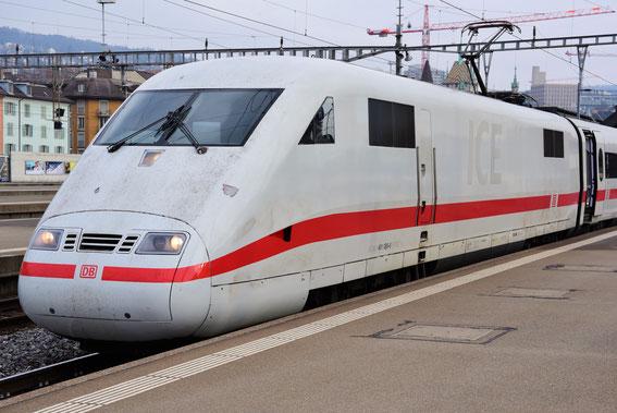 Weihnachtsfahrt Zürich; hier der ICE 70 am 20.12.16 mit Tz 89 nach Hamburg Altona