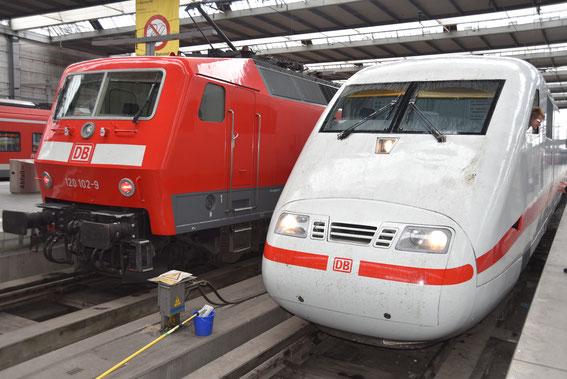 Herzlichen Glückwunsch zum 25. jährigen Jubiläum. Am 02.06.1991 fand die erste offizielle Fahrt des ICE 1 statt- 25 Jahre später ging es mit dem 1090 und Tz 65 als Sprinter gen Berlin; die Technik basiert auf der nebenstehenden Br 120 aus den 80er Jahren.
