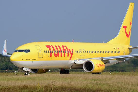 Tui`s TUI - D--ATUI on route to Las Palmas; Runway 5 at HAM Airport, 2014
