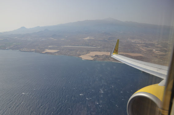 Strong wind conditions at Tenerife in June 2013 - turn around and touch down - D-AHFM inflight from Hanover