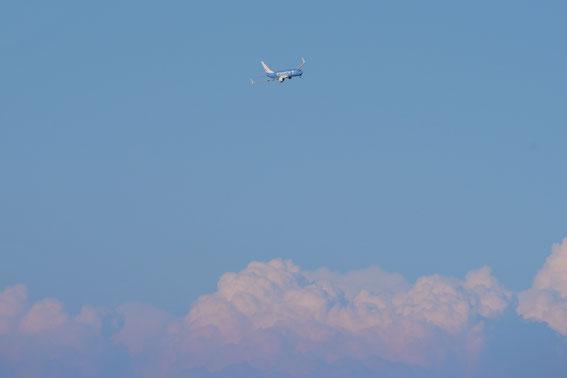 In der Ferne klein, am Boden groß- die D-ATUI im Anflug- Gewitter über der Türkei, die zum Glück wegblieben..puust...