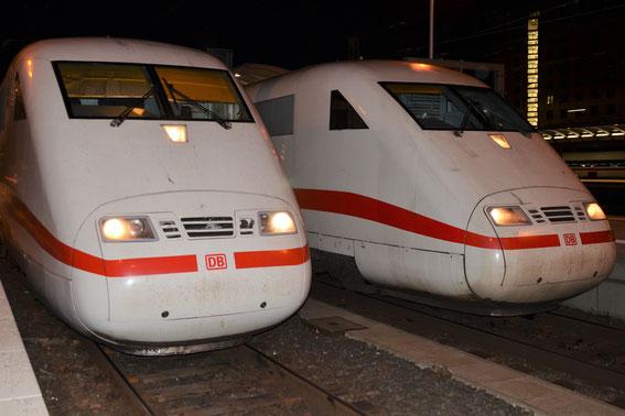 06.02.16- ICE 1172 mit Tz 76 und ICE 377 mit Tz 77 treffen sich in Frankfurt Hbf