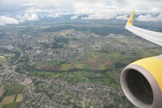Grüazi Schwyz. Landeanflug natürlich mit der FT  auf Basel Euro Airport, 11.06.16