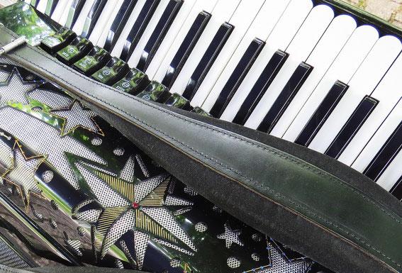 Akkordeon, Tasten und Sterne