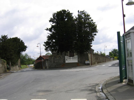 The crossroad in St. Georges d'Elle